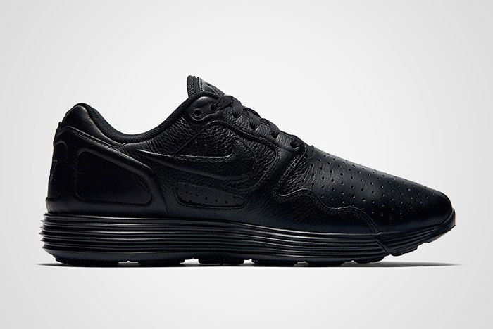 Nike Lunar Flow Triple Black Leather Thumb
