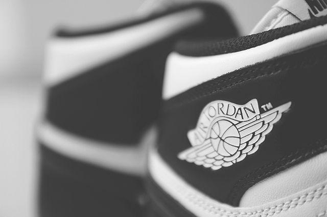 Air Jordan 1 Black White 6