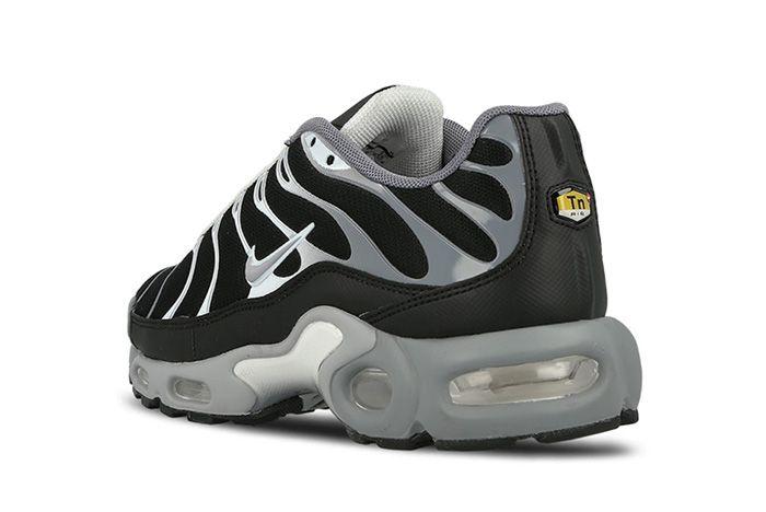 Nike Air Max Plus Black Silver 4