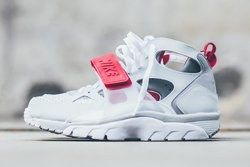 Nike Air Trainer Huarache White Uni Red Thumb