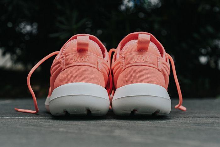 Nike Roshe Two Wmns Atomic Pink5
