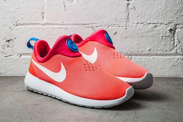 Nike Roshe Run Slip On Laser Crimson 11