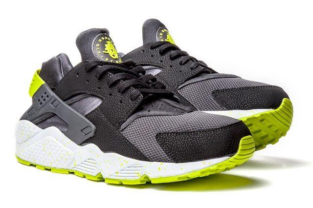 Nike Huarache Black Venom Thumb