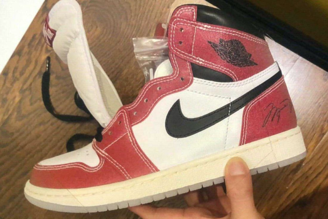 trophy room x air jordan 1 leak