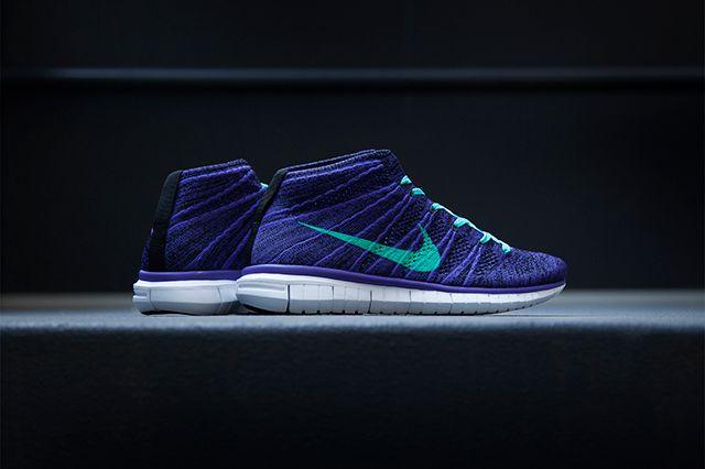 Nike Wmns Flyknit Chukka Hornets