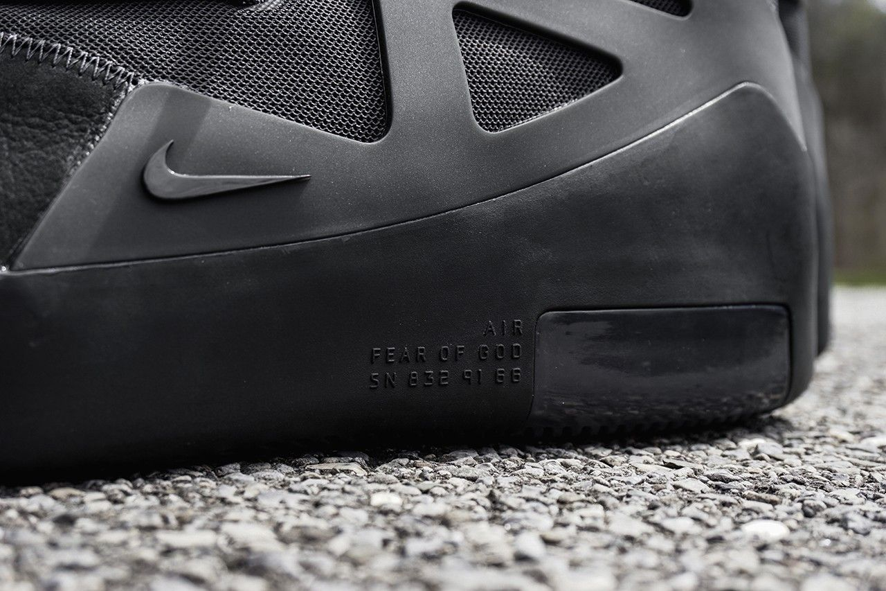 nike-air-fear-of-god-1-noir