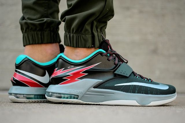Nike Kd 7 Classic Charcoal Dove Grey Light Retro University Red 3