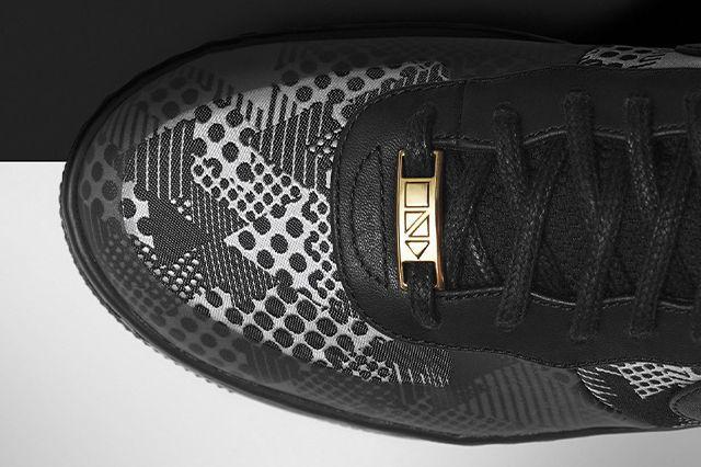Nike Bhm 22