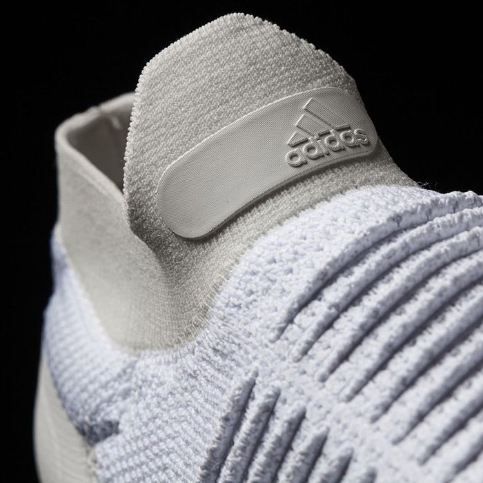 Adidas Ultra Boost Laceless White Beige4
