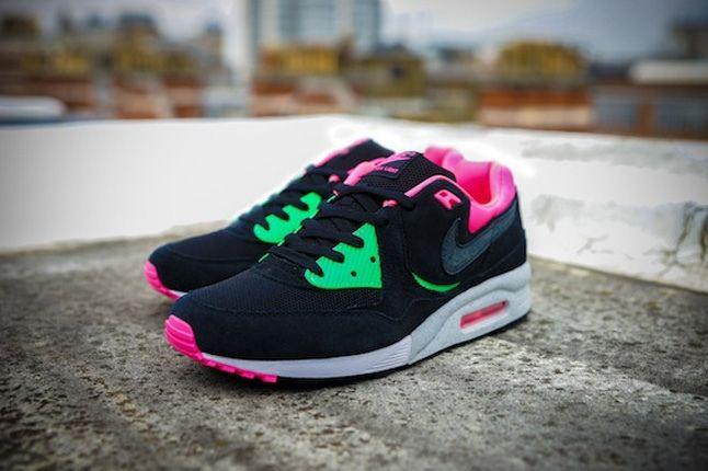 Nike Size Urban Safari Am Light Blk Profile 1