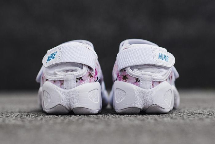 Nike 2016 Blossom Pack 2
