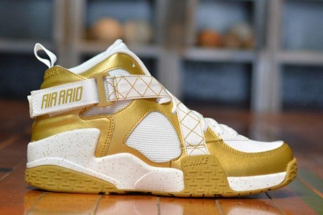 Nike Air Raid Gold Bump 4