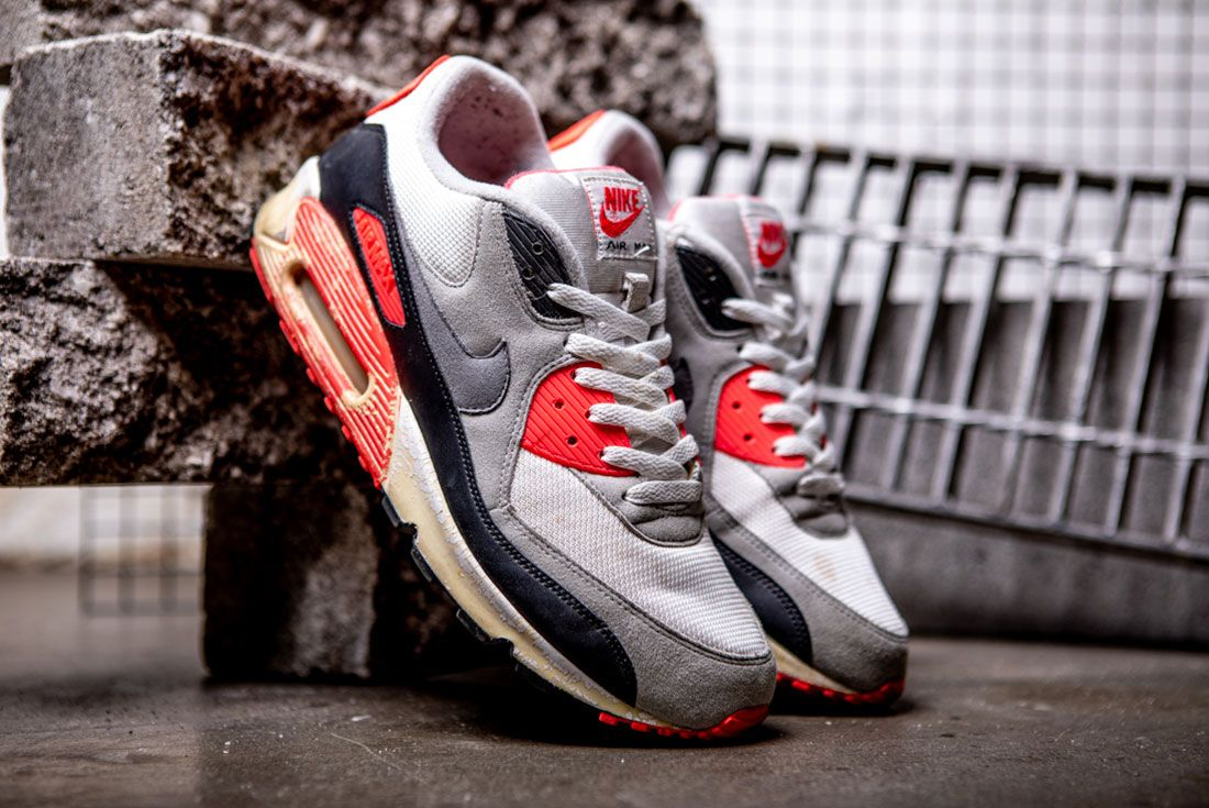 Nike Air Max 90 Infrared 2008 Leaning