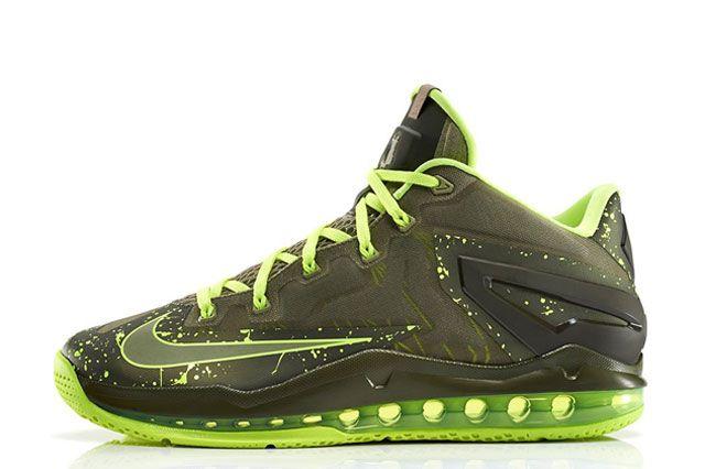 Nike Lebron 11 Low Dunkman Sideview