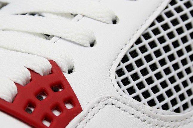 Air Jordan 4 Fire Red Lace 1