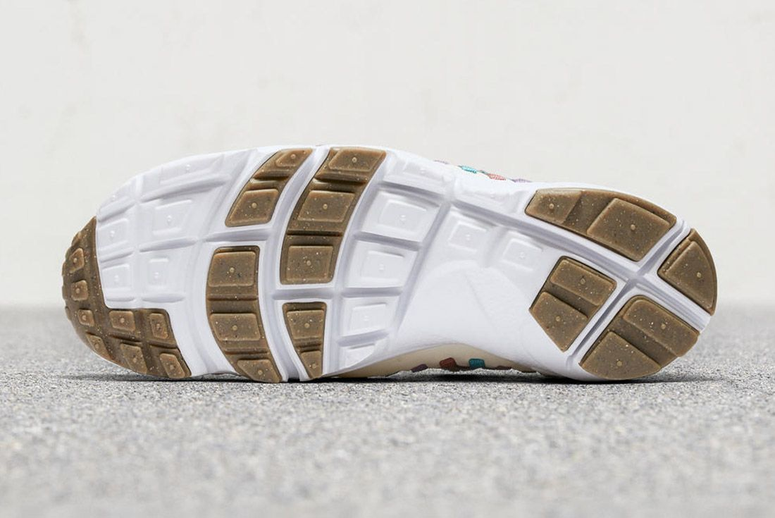 Nike Air Footscape Woven Ivory Fade 1