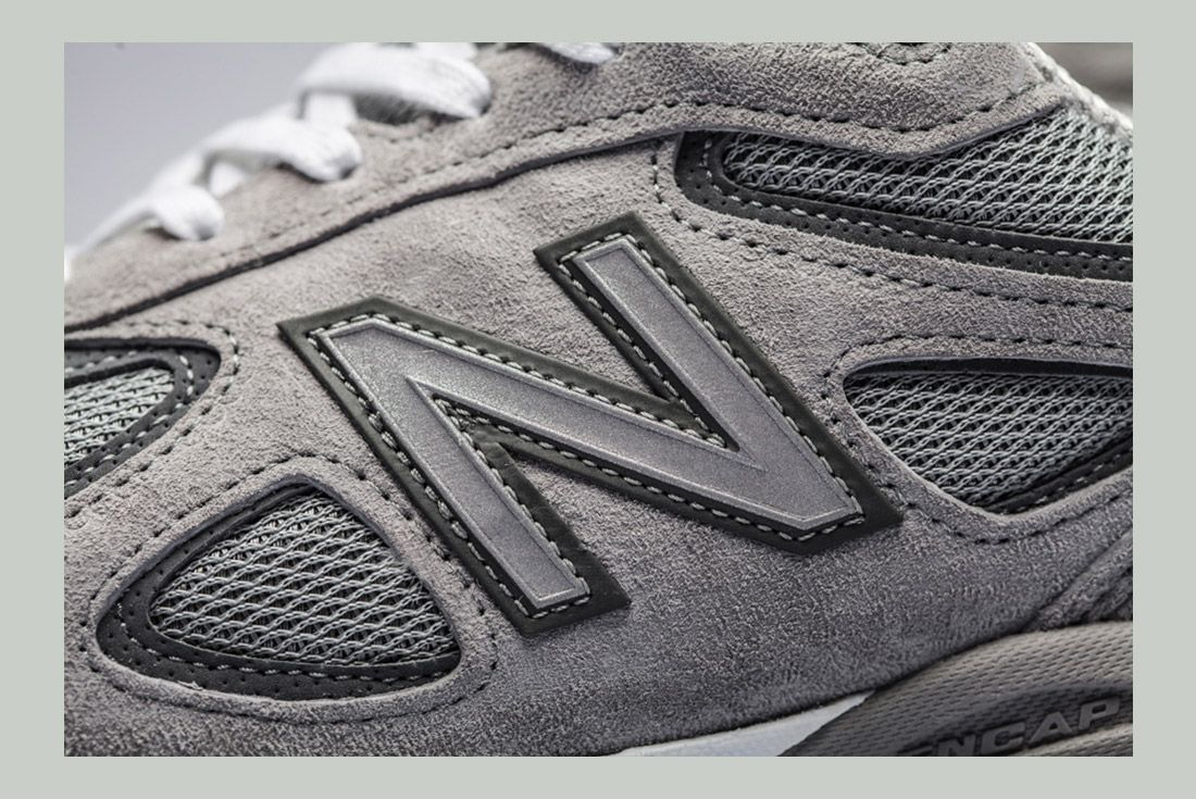New Balance 990 V4 Detail 1