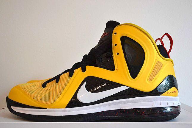 Sneaker Freaker Lebron Collector Garv 45 1