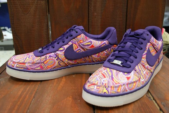Nike Air Force 1 X Liberty Downtown Purple Angle 1