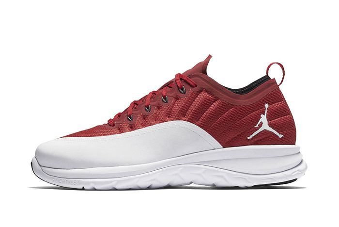 Jordan Trainer Prime Gym Red