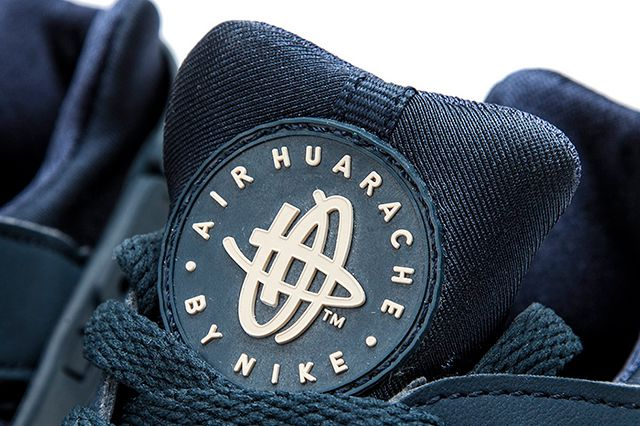 Nike Air Huarache Armory Navy Detailed Look 5