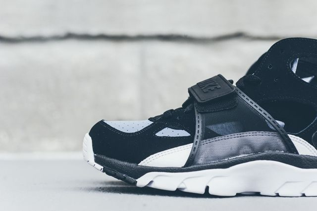 Nike Huarache Trainer Black Grey Bumper 4