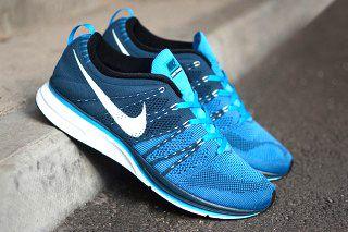 Nike Flyknit Trainer Blue Glow Thumb