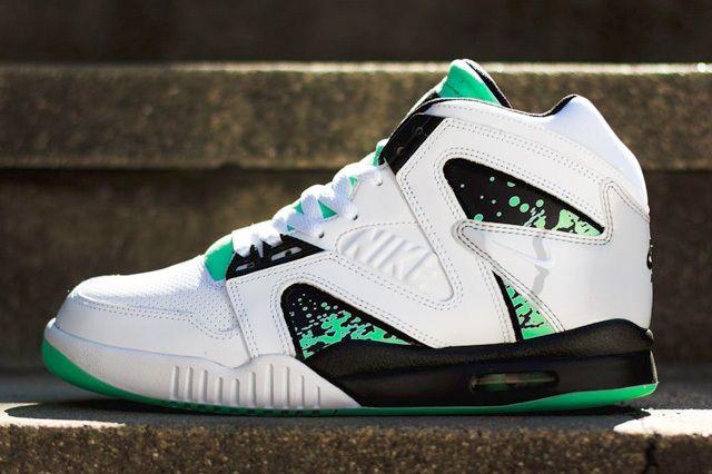 Nike Atc Hybrid Green Glow Bump Thumb