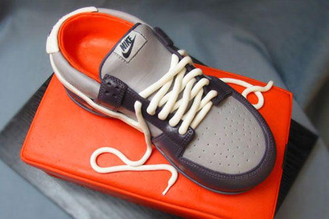 Sneaker Freaker Sneaker Cakes Dunk Lo 1