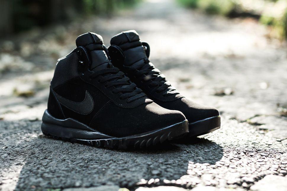 Nike Woodland Suede Triple Black