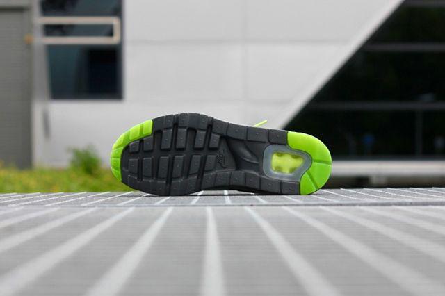 Nike Air Max 1 Ultra Moire Neon 4