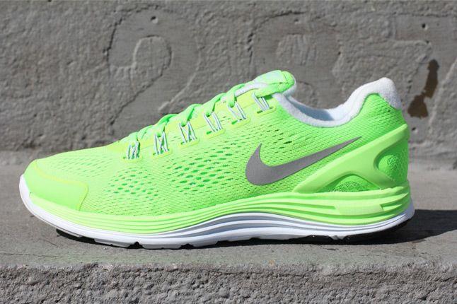 Nike Lunarglide 4 Electric Green Quater Profile 1
