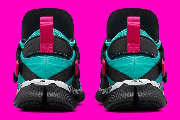 Nike Huarache Carnivore Emerald 5