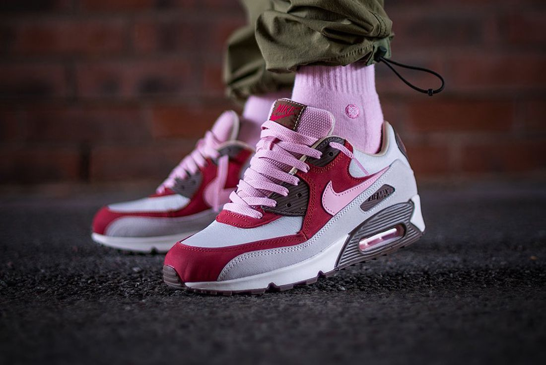 Here's How People Are Styling the Nike Air Max 90 'Bacon'