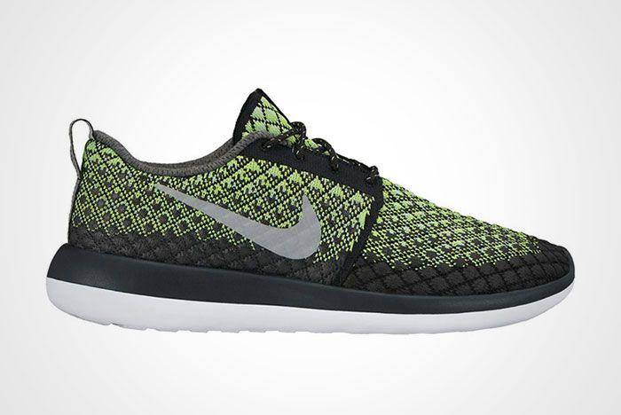 Nike Roshe Two Flyknit 365 Volt Thumb