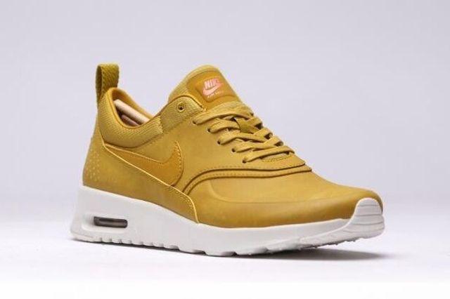 Nike Air Max Thea Golden 5