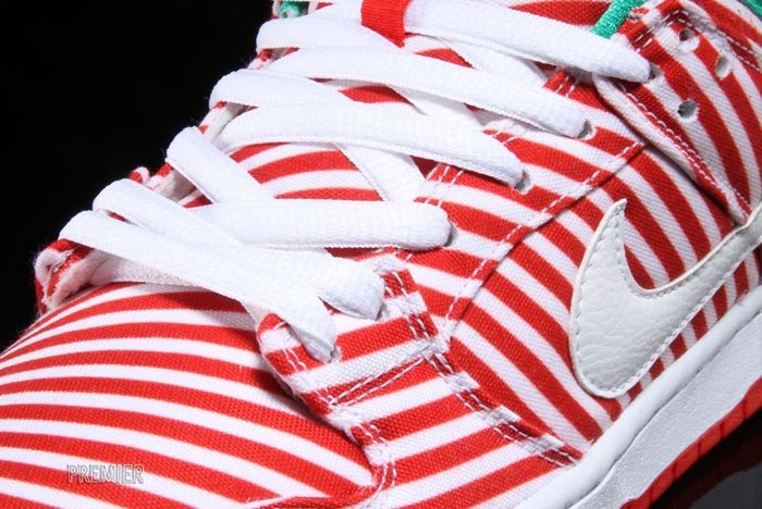 Nike Sb Dunk Low Candy Cane 3