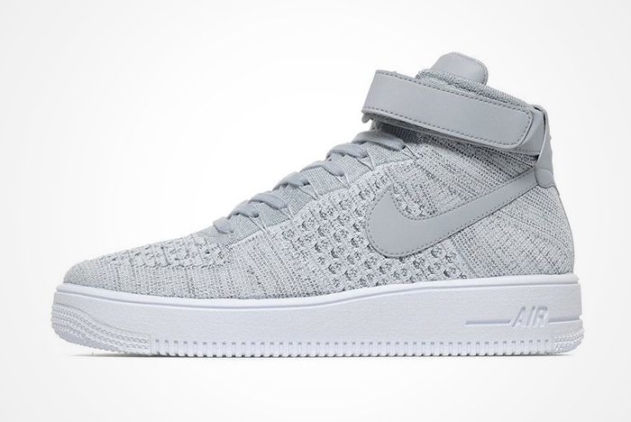 Air Force 1 Mid Ultra Grey Feature