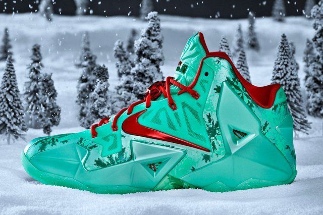 Nike Le Bron 11 Christmas