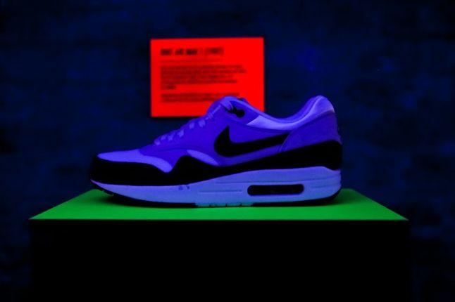 Nike Air Max Anniversary London Glow 1