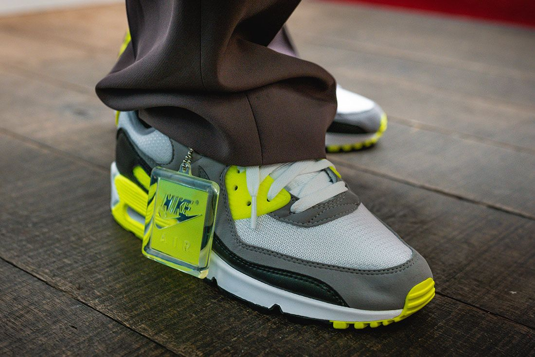 Nike Air Max 90 Volt Styling 5