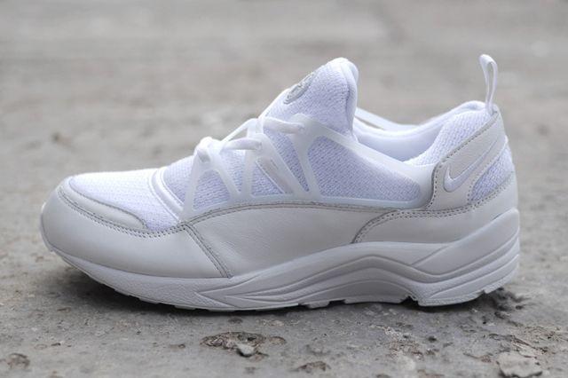 Nike Huarache Light Triple White Bumper 1