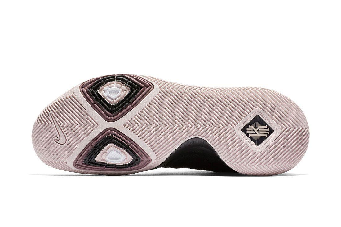 Nike Kyrie 3 Blackwhite 3
