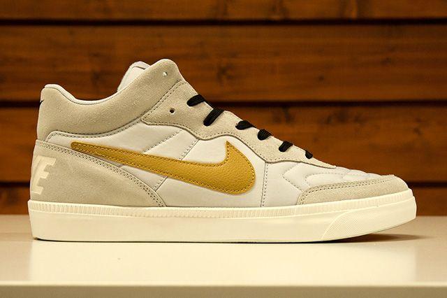 Nike Sportswear Gold Trophy Pack 1