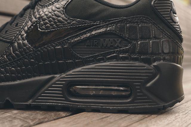Nike Wmns Air Max 90 Triple Black Croc 7