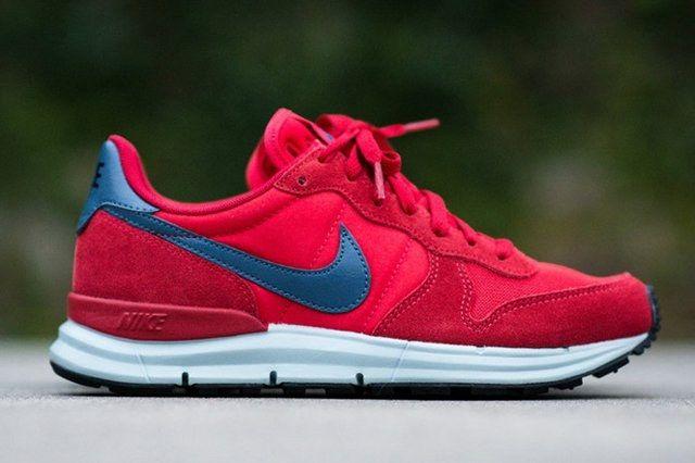 Nike Lunar Internationalist Red