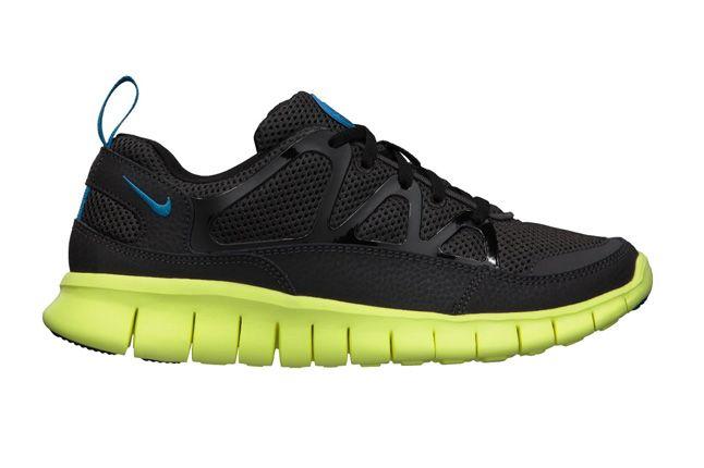Nike Free Huarache Light Electric Blue Volt Profile 1