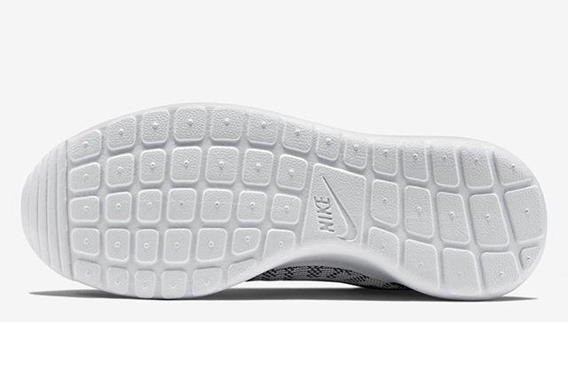 Nike Roshe Run Knit Jacquard White Cool Grey 5