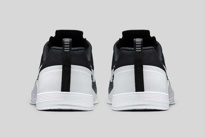 Nike Metcon 1 Black White 3