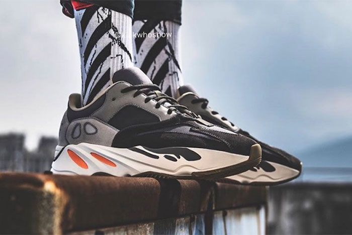 Yeezy Adidas Boost 700 Magnet Right 2